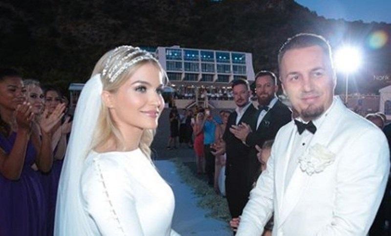 Shifër marramendëse, kaq para ia la Sinan Hoxha Bleros në dasmë