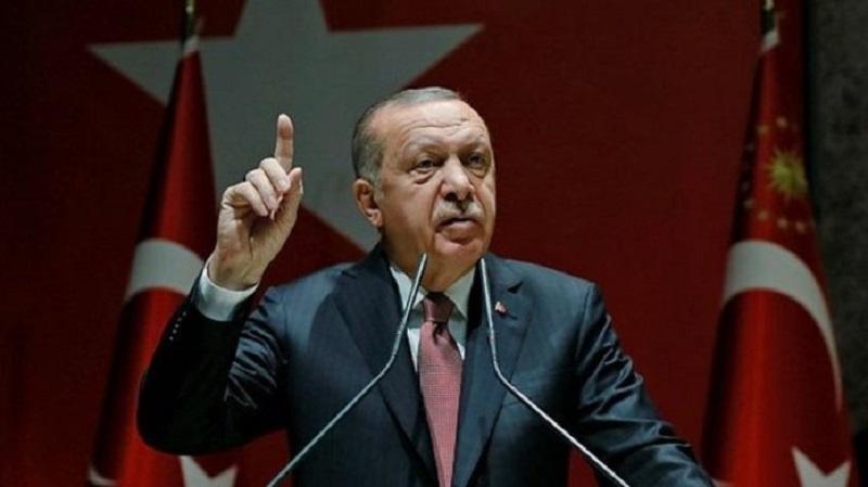 Erdogan: Bota të na mbështesë ose të fillojë të pranojë refugjatët nga Siria